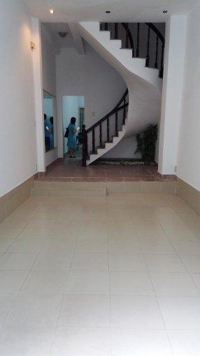 Cho thuê nhà khu Trần Não, P. Bình An, Q2, 18tr/tháng, 4 phòng ngủ, 4x16m, 2 lầu, sân thượng